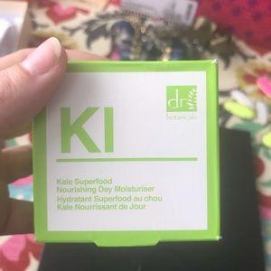 Dr Botanicals Makeup - KALE SUPERFOOD NOURISHING DAY MOISTURISER